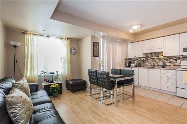 Condo Townhouse at 37 Four Winds Dr, Unit 25, Toronto, Ontario. Image 5