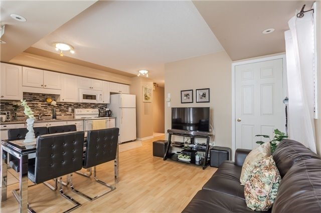 Condo Townhouse at 37 Four Winds Dr, Unit 25, Toronto, Ontario. Image 6