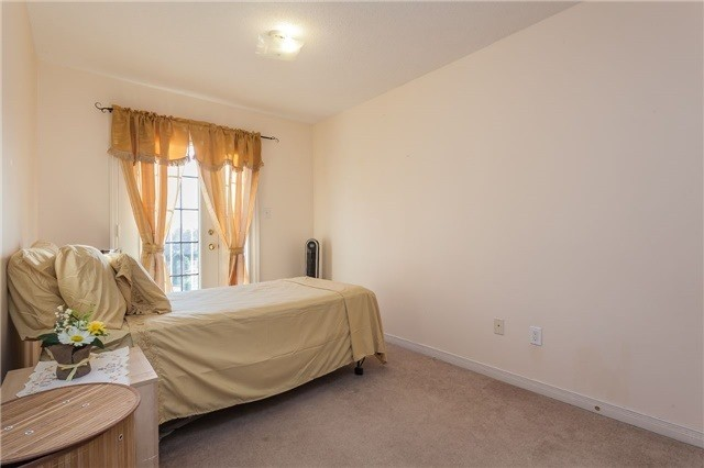 Condo Townhouse at 37 Four Winds Dr, Unit 25, Toronto, Ontario. Image 8