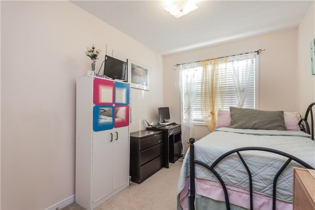 Condo Townhouse at 37 Four Winds Dr, Unit 25, Toronto, Ontario. Image 10