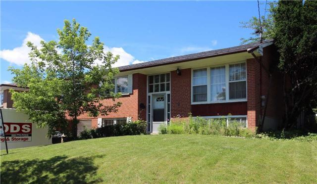 Detached at 6 Storer Dr, Toronto, Ontario. Image 4