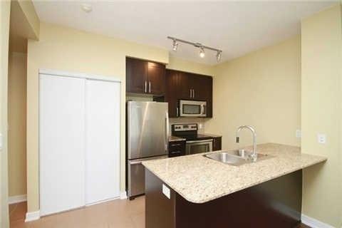 Condo Apartment at 4070 Confederation Pkwy, Unit 4001, Mississauga, Ontario. Image 12