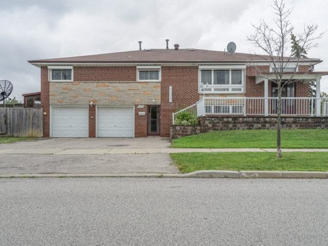 Semi-detached at 3733 Broomhill Cres, Mississauga, Ontario. Image 1