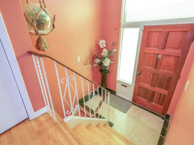Semi-detached at 3733 Broomhill Cres, Mississauga, Ontario. Image 12