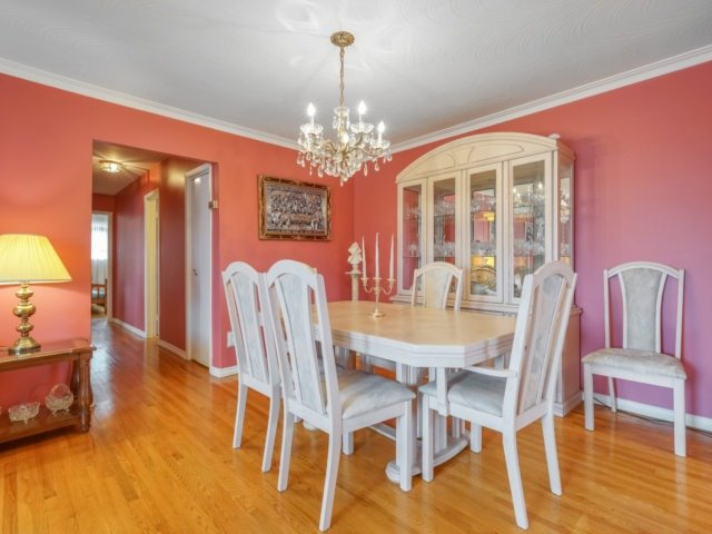Semi-detached at 3733 Broomhill Cres, Mississauga, Ontario. Image 15