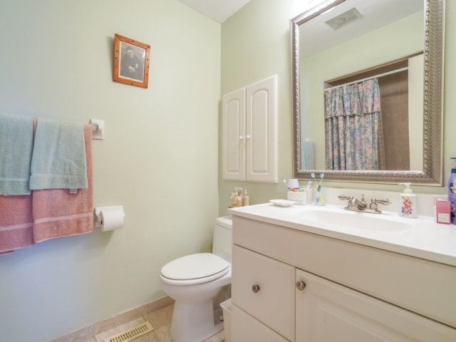 Semi-detached at 3733 Broomhill Cres, Mississauga, Ontario. Image 5