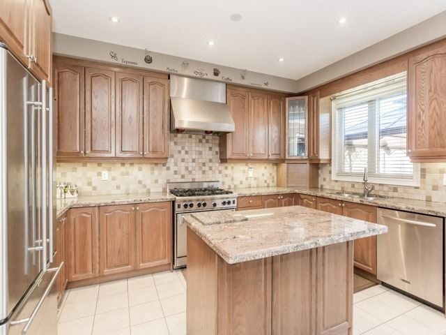 Detached at 38 Lynnvalley Cres, Brampton, Ontario. Image 18