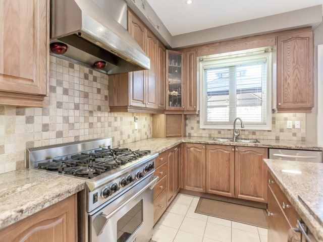 Detached at 38 Lynnvalley Cres, Brampton, Ontario. Image 19