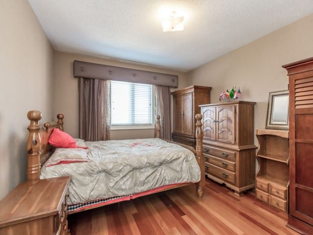 Detached at 38 Lynnvalley Cres, Brampton, Ontario. Image 5
