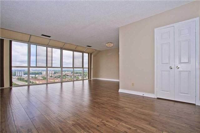 Condo Apartment at 880 Dundas St W, Unit Ph 7, Mississauga, Ontario. Image 15