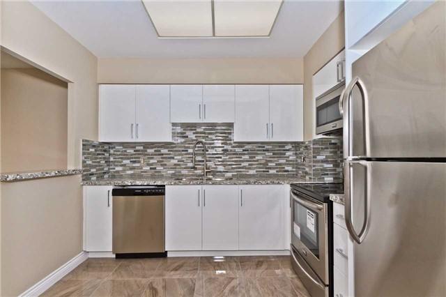 Condo Apartment at 880 Dundas St W, Unit Ph 7, Mississauga, Ontario. Image 19