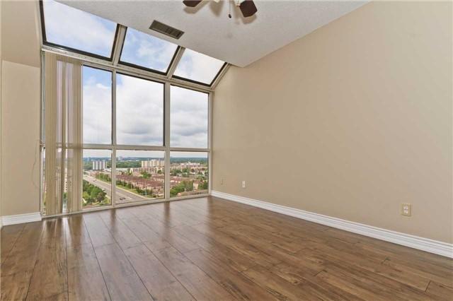 Condo Apartment at 880 Dundas St W, Unit Ph 7, Mississauga, Ontario. Image 5