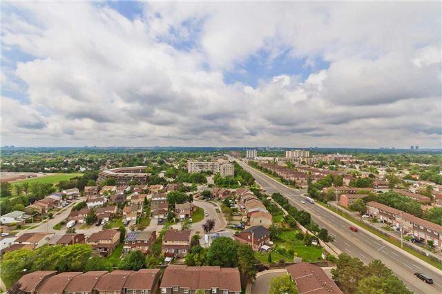 Condo Apartment at 880 Dundas St W, Unit Ph 7, Mississauga, Ontario. Image 7