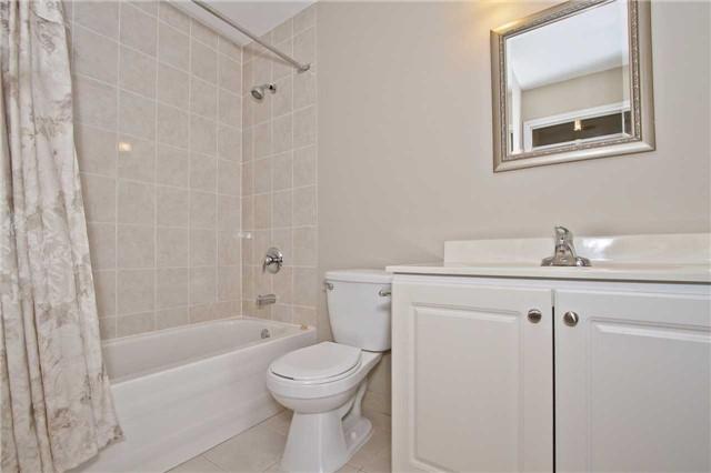 Condo Apartment at 880 Dundas St W, Unit Ph 7, Mississauga, Ontario. Image 10