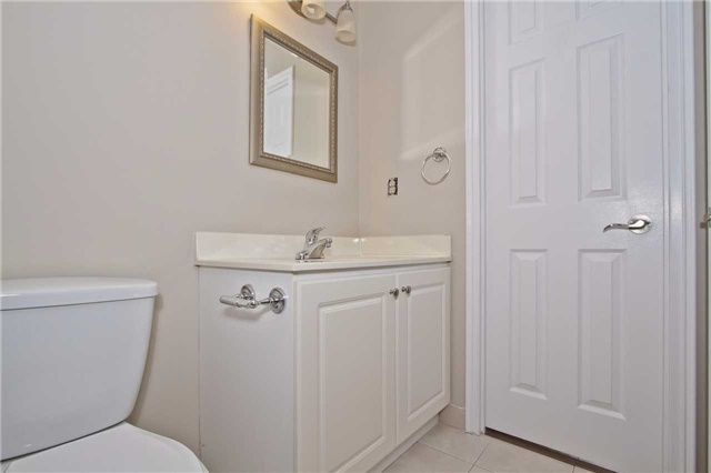 Condo Apartment at 880 Dundas St W, Unit Ph 7, Mississauga, Ontario. Image 13