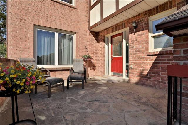 Detached at 181 Ryerson Rd, Oakville, Ontario. Image 12