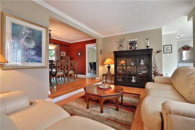 Detached at 181 Ryerson Rd, Oakville, Ontario. Image 15