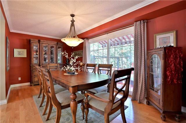 Detached at 181 Ryerson Rd, Oakville, Ontario. Image 16