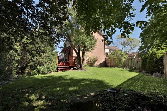 Detached at 181 Ryerson Rd, Oakville, Ontario. Image 8