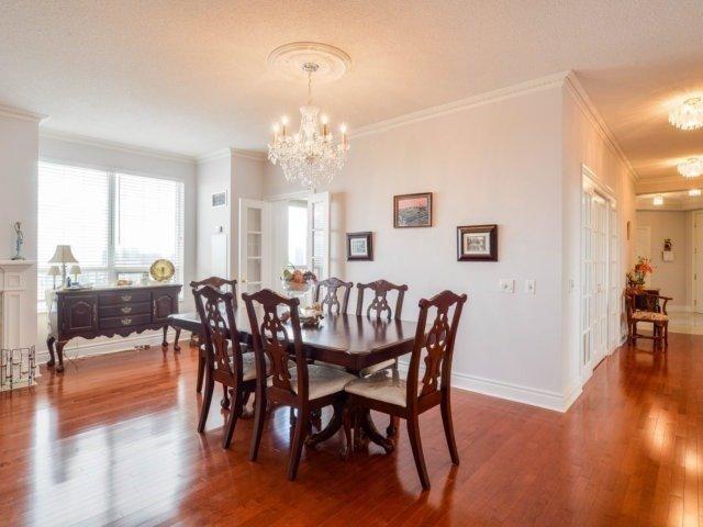 Condo Apartment at 25 Kingsbridge Garden Circ, Unit 2608, Mississauga, Ontario. Image 13