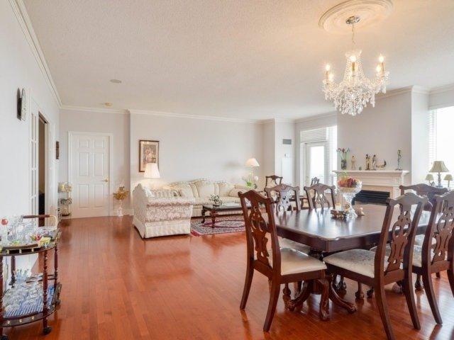 Condo Apartment at 25 Kingsbridge Garden Circ, Unit 2608, Mississauga, Ontario. Image 15