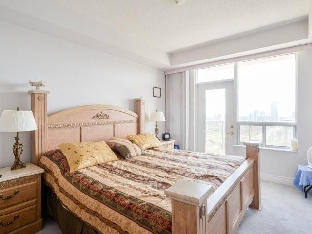 Condo Apartment at 25 Kingsbridge Garden Circ, Unit 2608, Mississauga, Ontario. Image 2