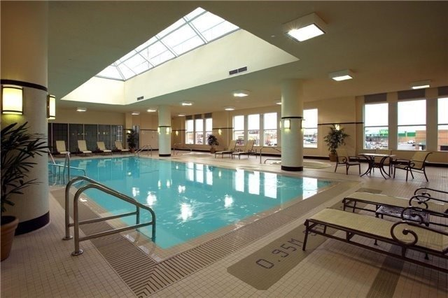 Condo Apartment at 25 Kingsbridge Garden Circ, Unit 2608, Mississauga, Ontario. Image 10