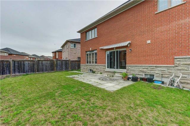 Detached at 61 Maisonneuve Blvd, Brampton, Ontario. Image 11