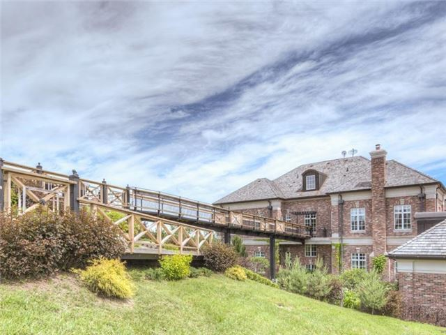Detached at 16180 The Gore Rd, Caledon, Ontario. Image 15