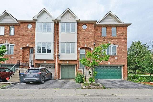 Condo Townhouse at 80 Acorn Pl, Unit 58, Mississauga, Ontario. Image 1