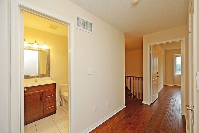 Condo Townhouse at 80 Acorn Pl, Unit 58, Mississauga, Ontario. Image 20