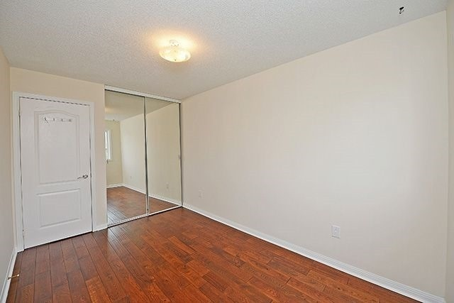 Condo Townhouse at 80 Acorn Pl, Unit 58, Mississauga, Ontario. Image 5