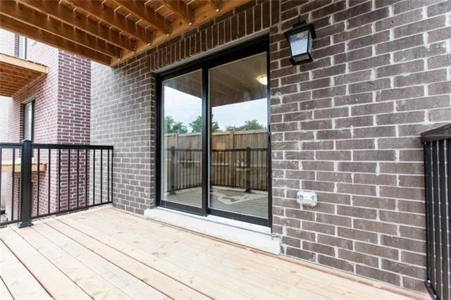 Detached at 10 Helen Ave, Toronto, Ontario. Image 11