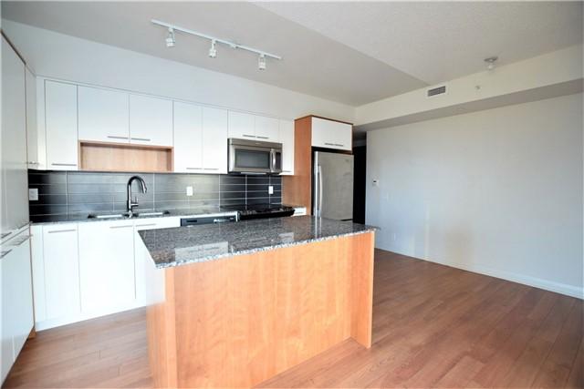 Condo Apartment at 5 Valhalla Inn Rd, Unit 2402, Toronto, Ontario. Image 8