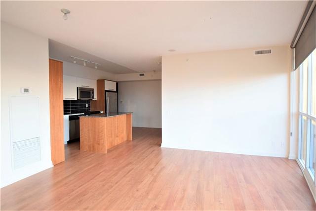 Condo Apartment at 5 Valhalla Inn Rd, Unit 2402, Toronto, Ontario. Image 9