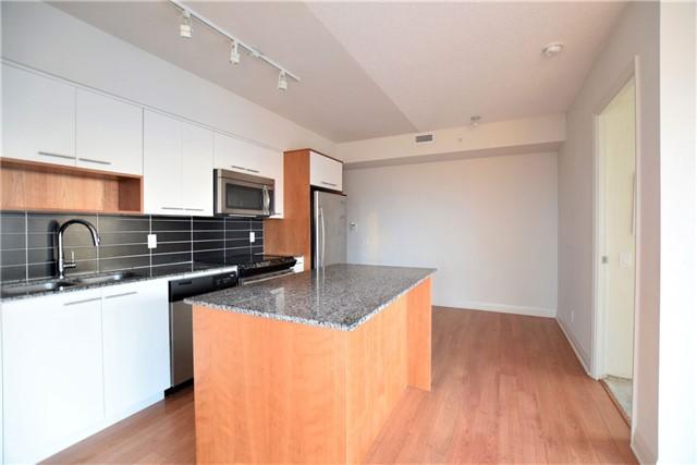 Condo Apartment at 5 Valhalla Inn Rd, Unit 2402, Toronto, Ontario. Image 10
