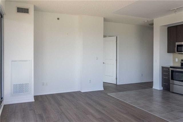Condo Apartment at 5001 Corporate Dr, Unit 409, Burlington, Ontario. Image 5