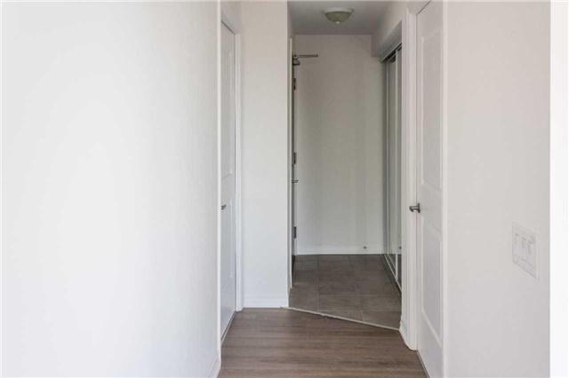 Condo Apartment at 5001 Corporate Dr, Unit 409, Burlington, Ontario. Image 11