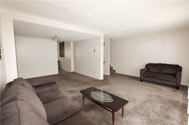 Condo Townhouse at 180 Mississauga Valley Blvd, Unit 170, Mississauga, Ontario. Image 17