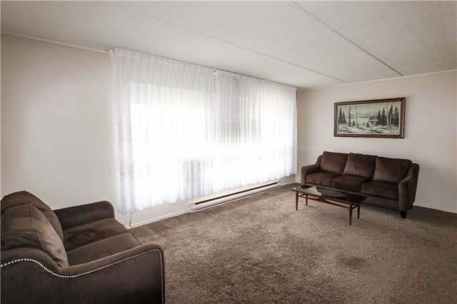 Condo Townhouse at 180 Mississauga Valley Blvd, Unit 170, Mississauga, Ontario. Image 18