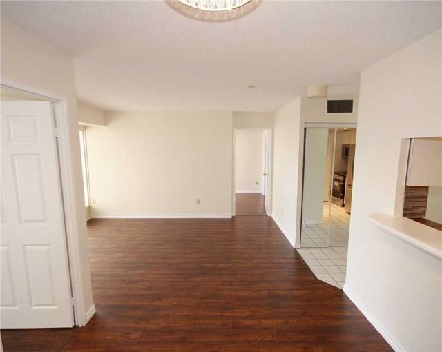 Condo Apartment at 285 Enfield Pl, Unit 1602, Mississauga, Ontario. Image 13