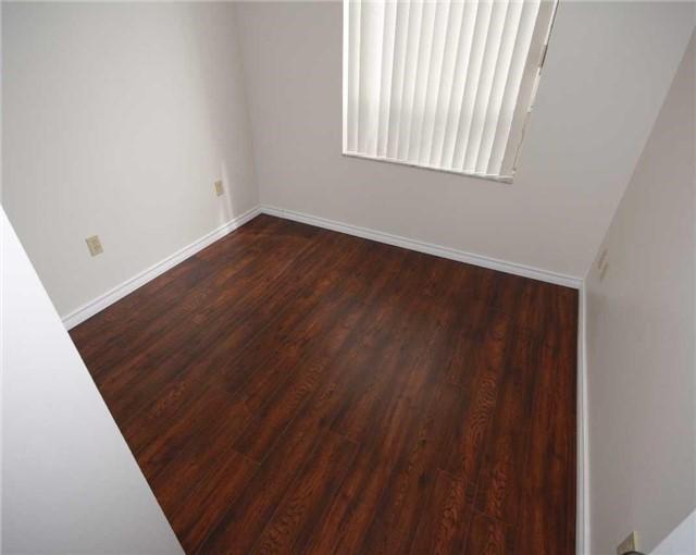 Condo Apartment at 285 Enfield Pl, Unit 1602, Mississauga, Ontario. Image 9