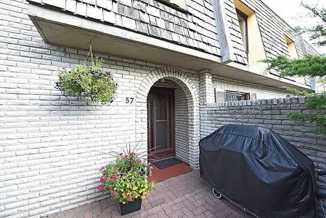 Condo Townhouse at 1250 Mississauga Valley Blvd, Unit 57, Mississauga, Ontario. Image 1