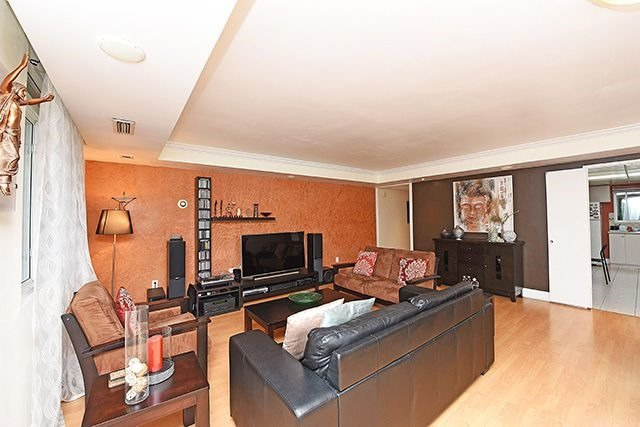 Condo Townhouse at 1250 Mississauga Valley Blvd, Unit 57, Mississauga, Ontario. Image 16