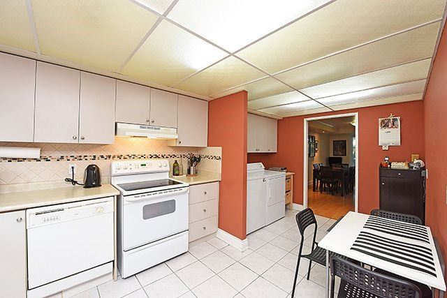 Condo Townhouse at 1250 Mississauga Valley Blvd, Unit 57, Mississauga, Ontario. Image 19