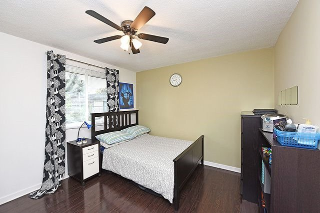 Condo Townhouse at 1250 Mississauga Valley Blvd, Unit 57, Mississauga, Ontario. Image 6