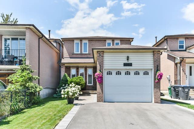 Detached at 4012 Chicory Crt, Mississauga, Ontario. Image 1