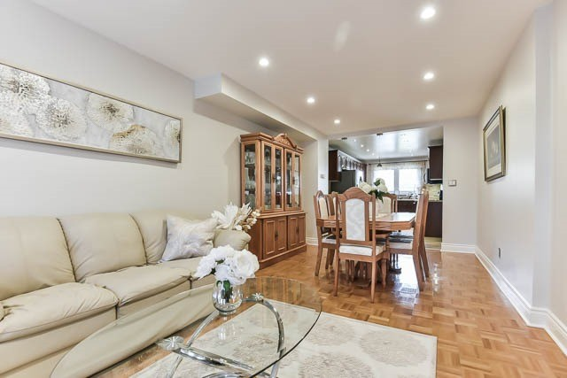 Detached at 4012 Chicory Crt, Mississauga, Ontario. Image 14