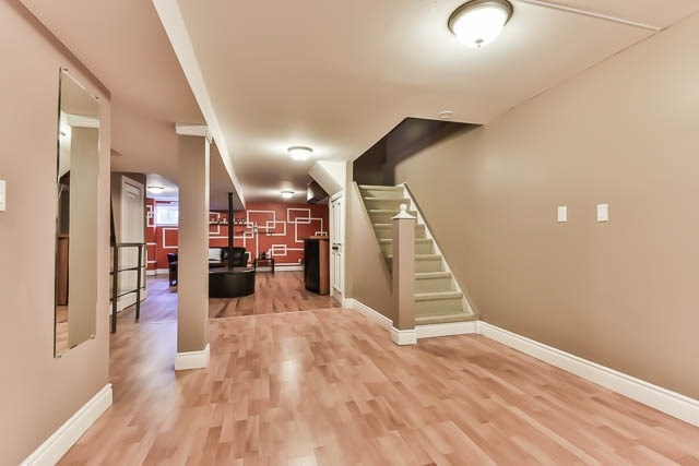 Detached at 4012 Chicory Crt, Mississauga, Ontario. Image 7