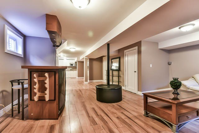 Detached at 4012 Chicory Crt, Mississauga, Ontario. Image 8